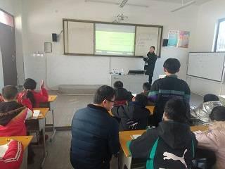 湖北省宜城市邓冲小学强化校际教研 引领新教师成长