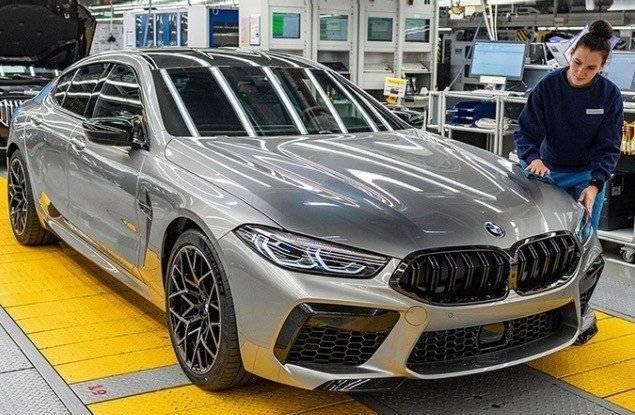 全新宝马M8 Gran Coupe原厂下线,设计运动,不便宜