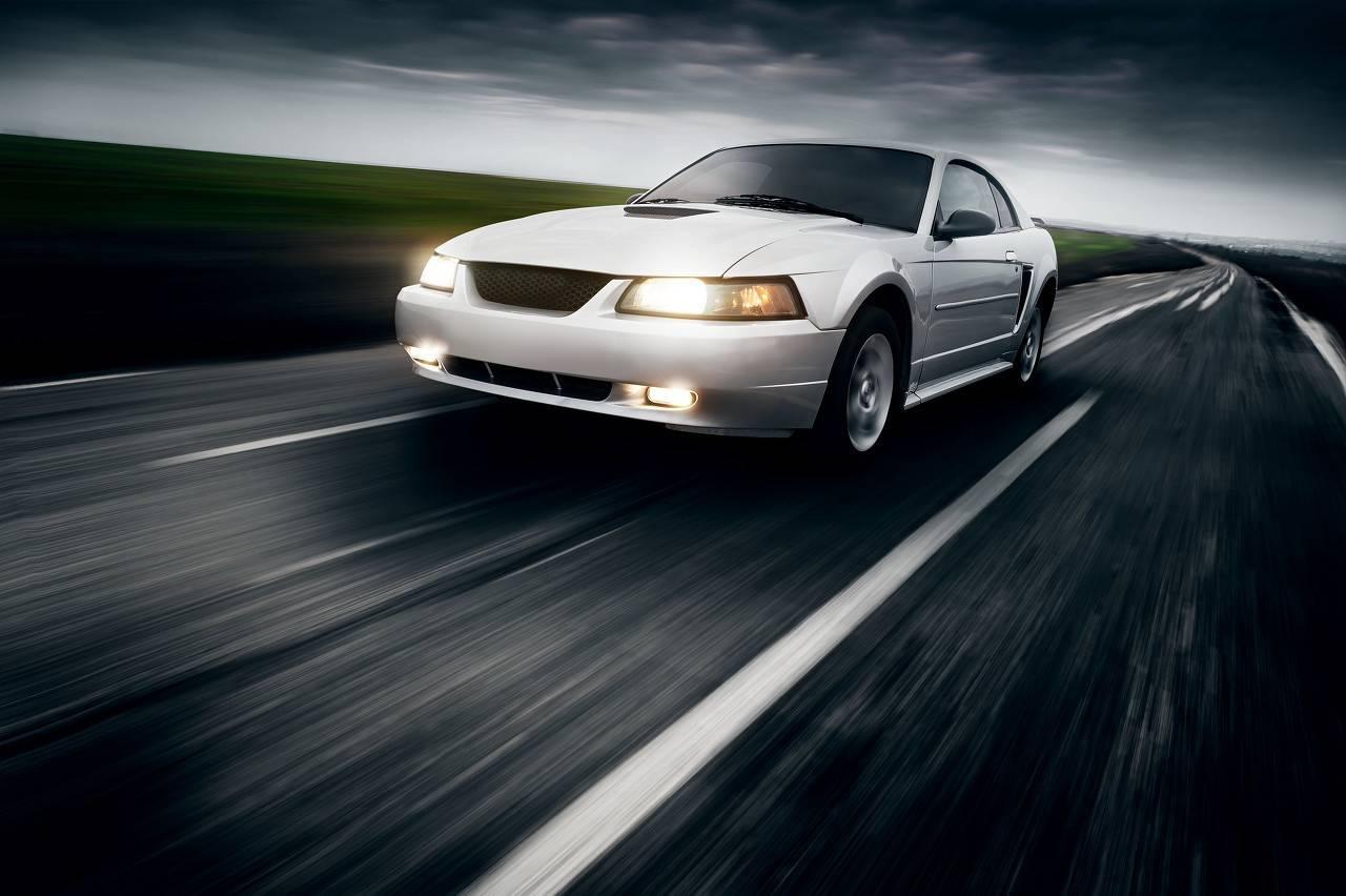 原装世界最快SUV,全车进口,3.7秒破100,700马力,卡宴甩几条街