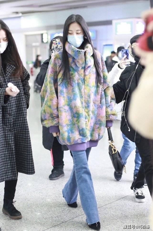 原创             张碧晨穿衣一点不矫情,单品保暖的基础上自带时髦效果,实用性强