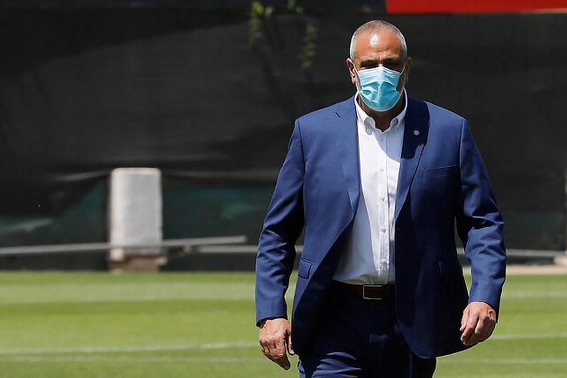 智利足协主席:贝尼特斯有意执教国家队 但违约金太高