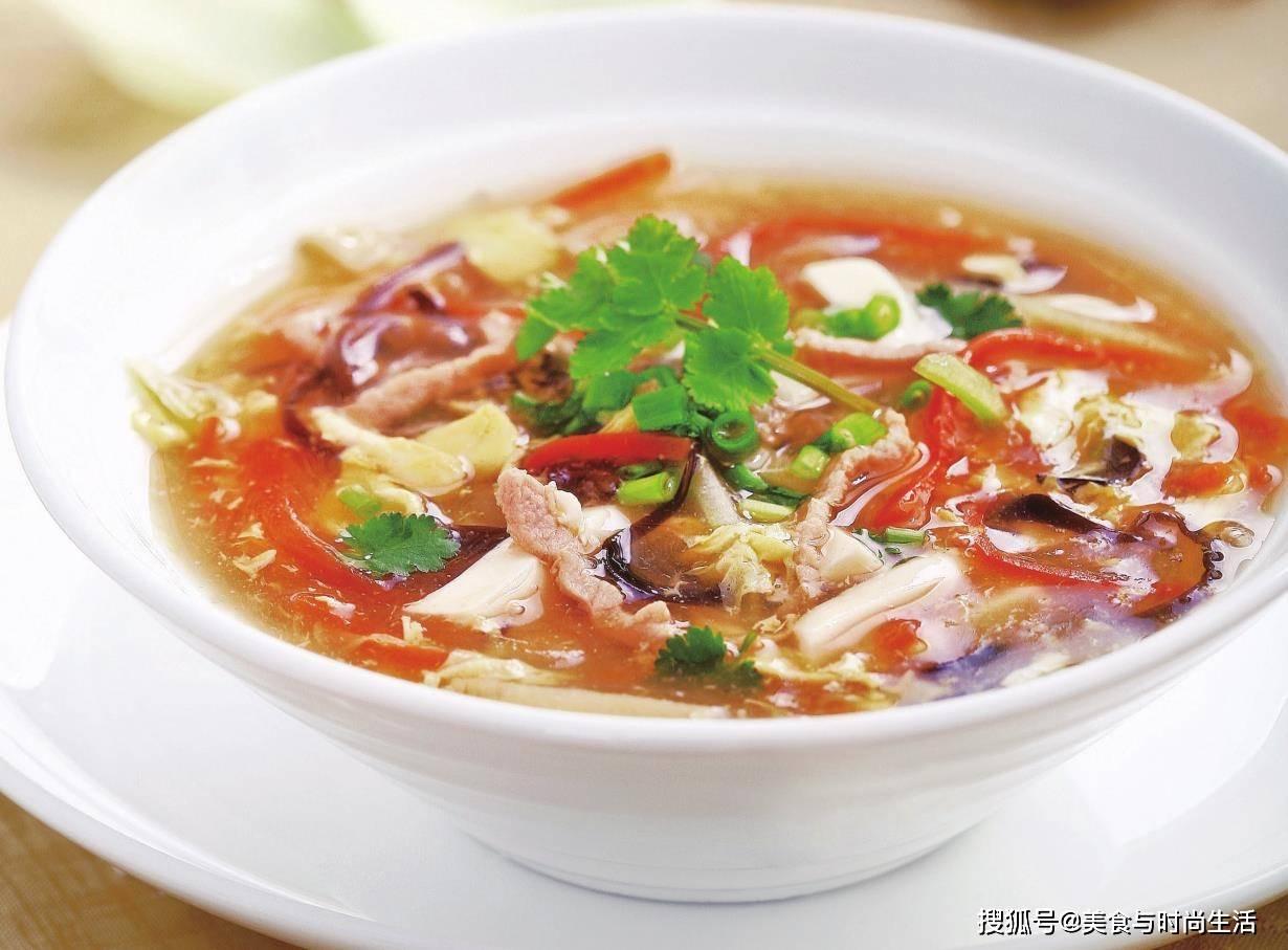 气温骤降,最适合来喝这碗汤,驱寒暖身,酸辣开胃,十几分钟就好