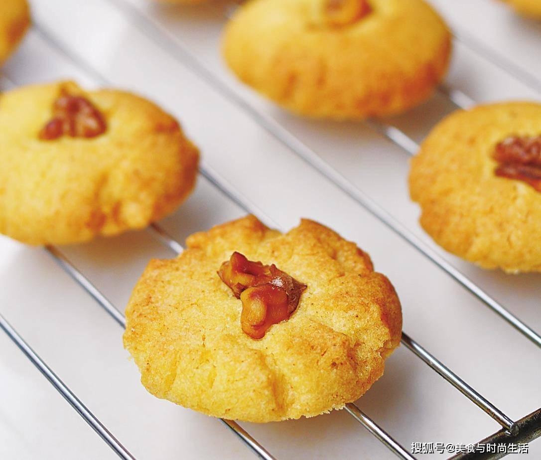 在家做核桃酥,不用黄油和猪油,照样香酥可口,配方简单,一学就会