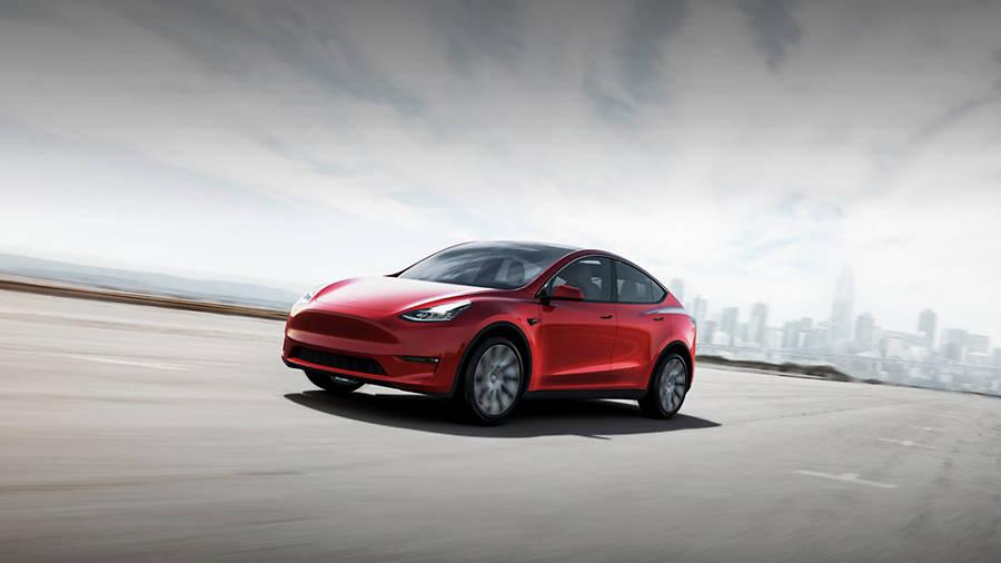 与宝马X3等燃油车相比,特斯拉Y型是否过于昂贵?