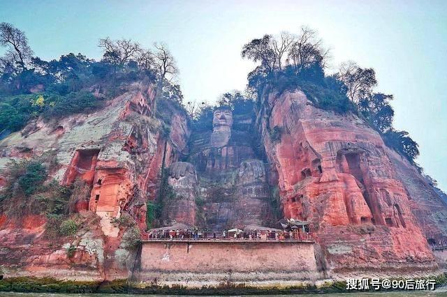 四川又一景区走红,高达71米,别称凌云大佛,还是最大的石刻造像