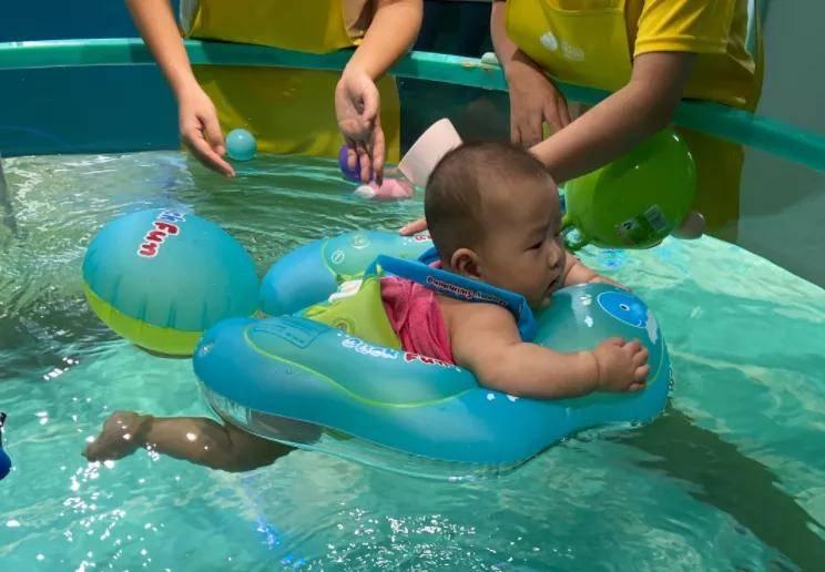 宝宝游泳,带给他的是强健的体魄+勇敢的心  第3张