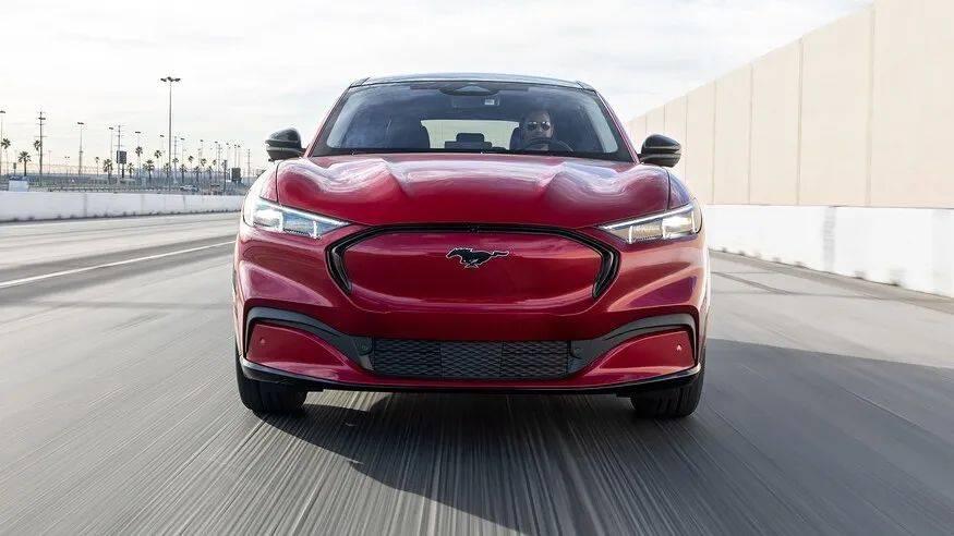 底特律的反击,海外试驾福特Mustang Mach-E_性能