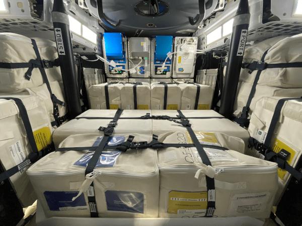 SpaceX Dragon Capsule率先进行科学的Splashdown