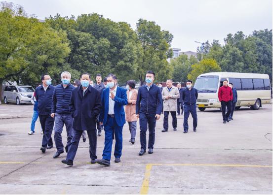 中国人民政治协商会议第十二届全国委员会副主席刘小锋对缙云辛凯厨具有限公司进行了调查