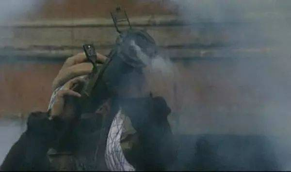 俄罗斯人自己拍的关于第一次车臣战争的重口味电影!