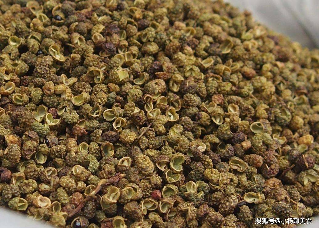 买花椒时,应该买青花椒还是红花椒?很多人不懂,难怪效果不好