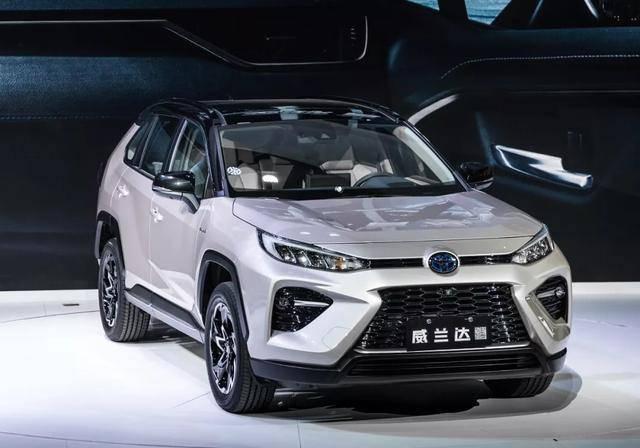 """原丰田发布了一款2.5L混动的""""精品""""SUV四驱,油耗只有5.7L"""