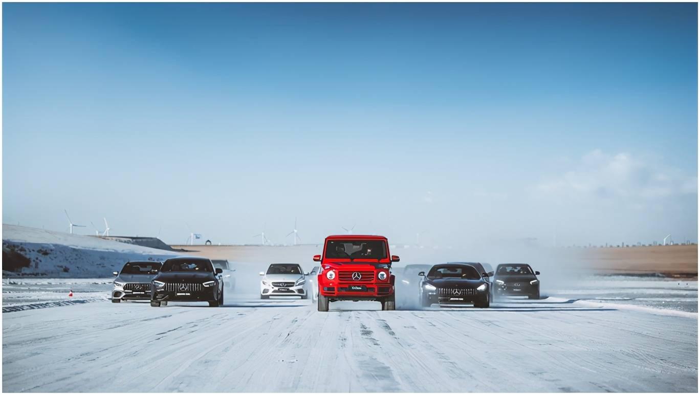 原创冰雪对决!在F1冰雪赛道上漂移是什么感觉?