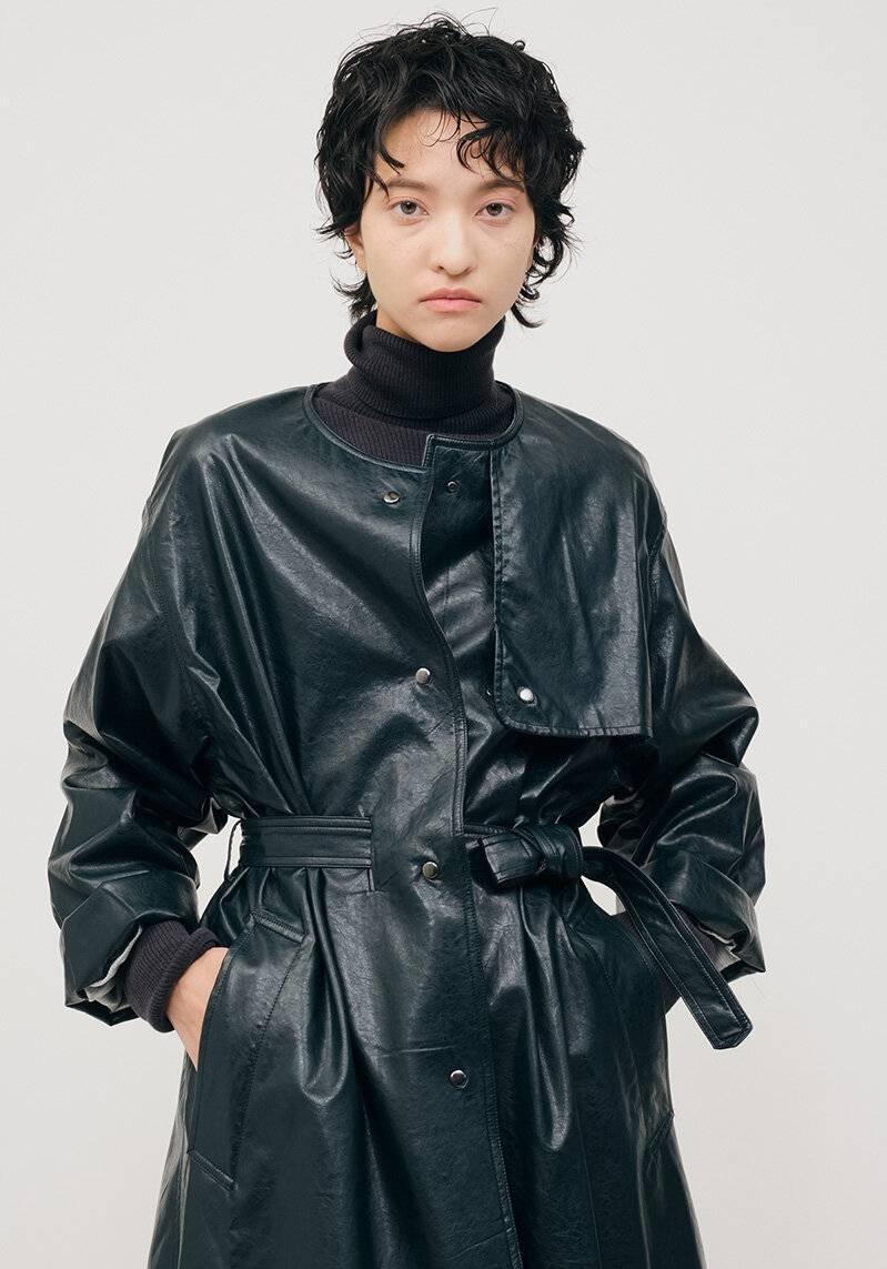 原创             秋冬就该这么穿,大衣+皮带,下雪也能时髦一整天