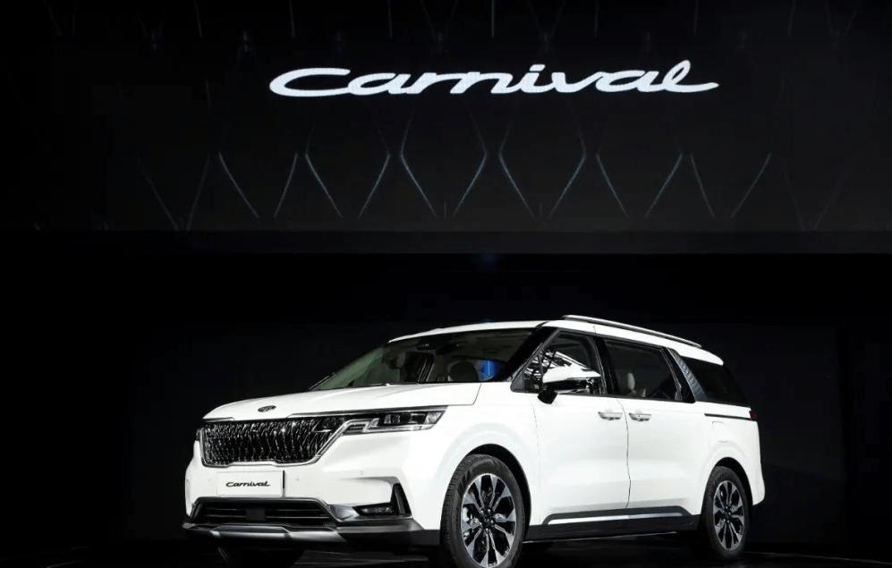 原车看起来像SUV,其实是MPV。第四代起亚嘉华将于明年下半年上市