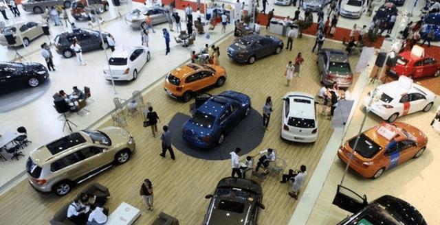 轿车追求舒适,SUV追求空间,买两厢真的是一种生活态度