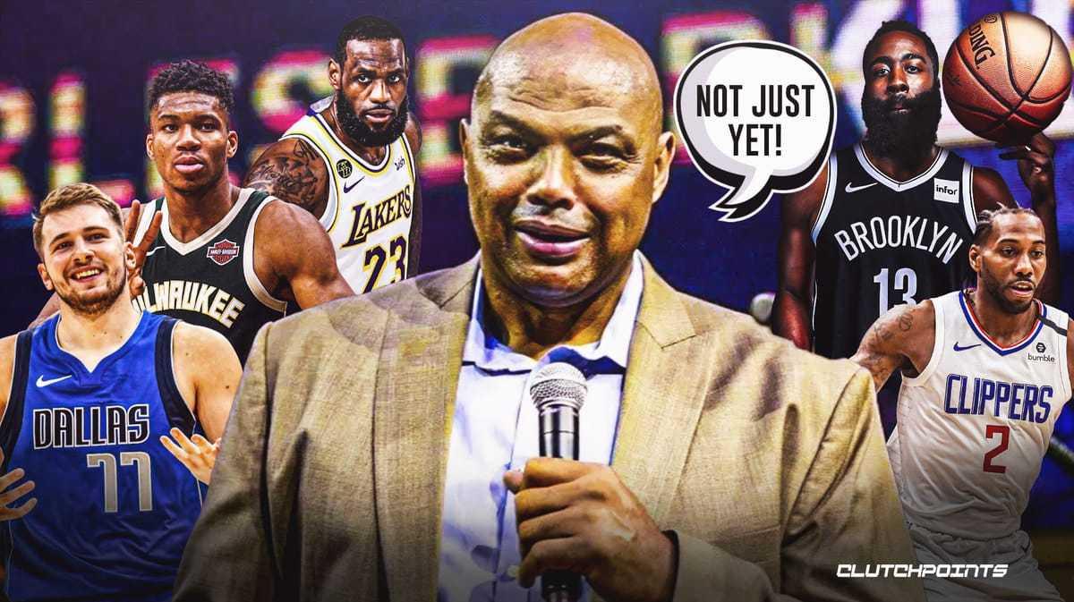 热搜惊艳言论!巴克利:球员应该有接种疫苗的特权著名篮球解说员查尔斯·巴克利总是令人惊叹
