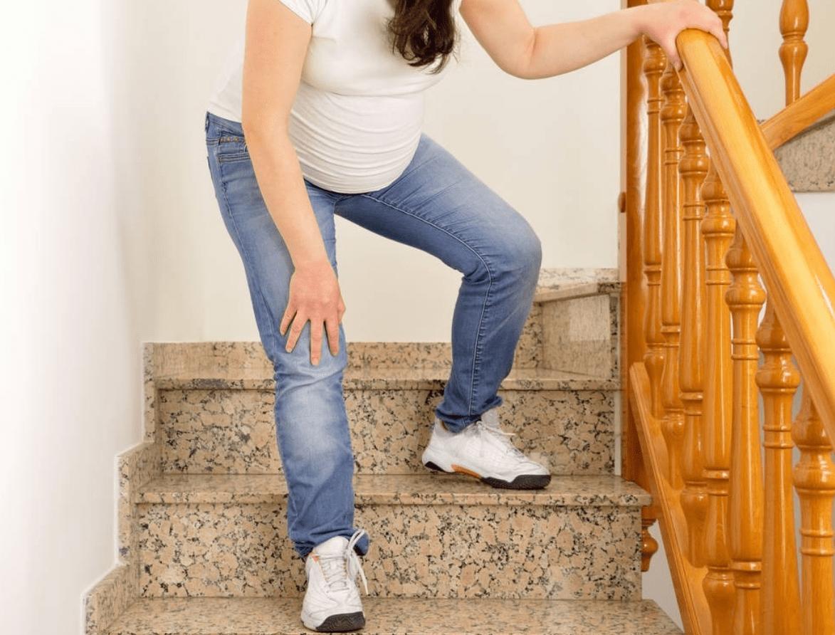 孕晚期这三个动作不适合孕妇再做,孕妈可能没感觉,胎儿却很难受