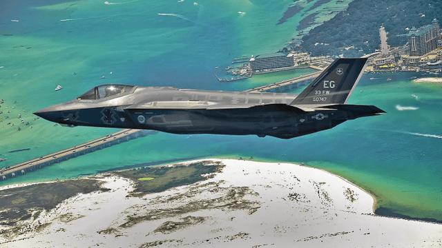 美军一架F-35A隐身战机坠毁,同一基地刚坠毁一架F-22