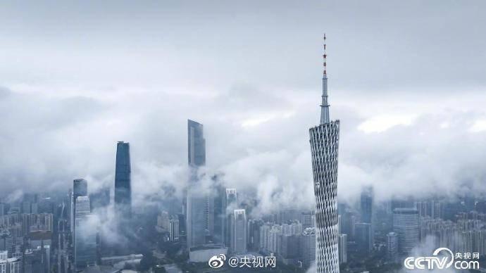 广州出现云墙