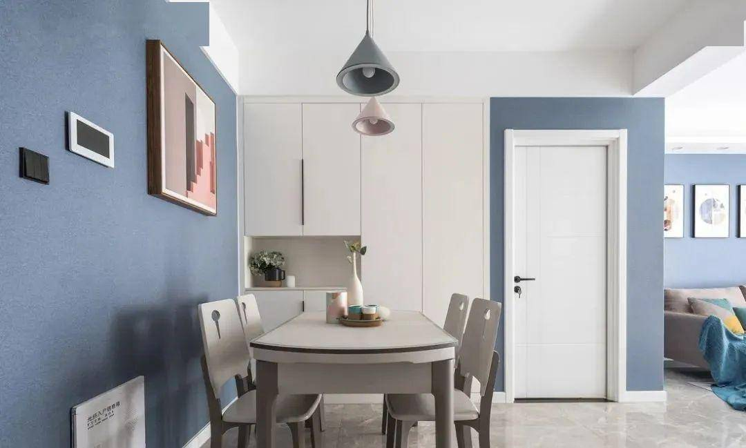 80平兩居室,戶型再小,這幾個地方也要裝櫃子,方便又實用!