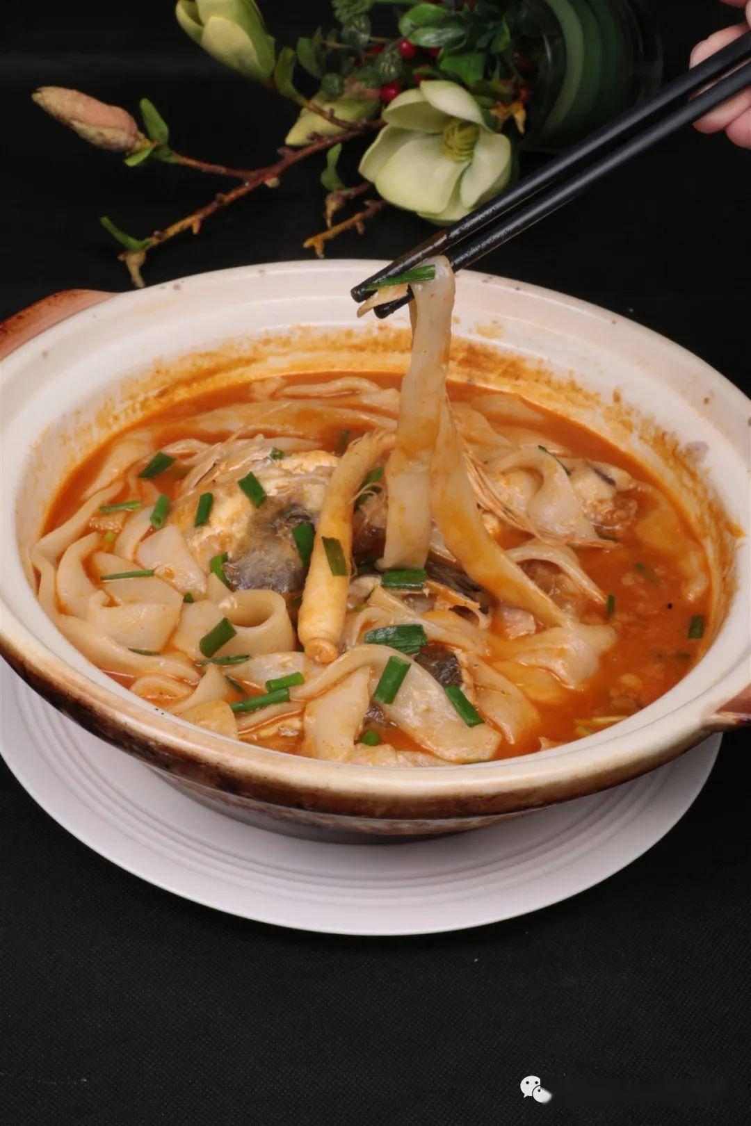 靠一个巨大的鱼头名扬天下——天目湖砂锅鱼头汤