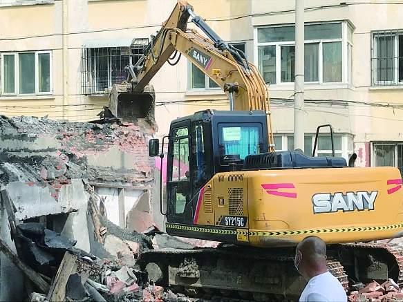工作 哈尔滨市推进堵塞消防通道拆违 700余平方米弃用工房被拆