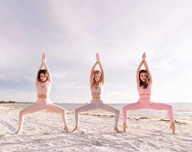 练瑜伽会粗腿?那是因为这几点你没做对!