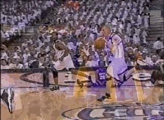 白巧克力的传球有多骚?1人拿球9人紧张,差点完成NBA历史第1助攻