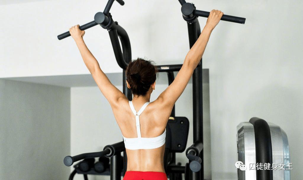 追求好看的身材,但是肩部姿势不正确?这三个动作帮你解决