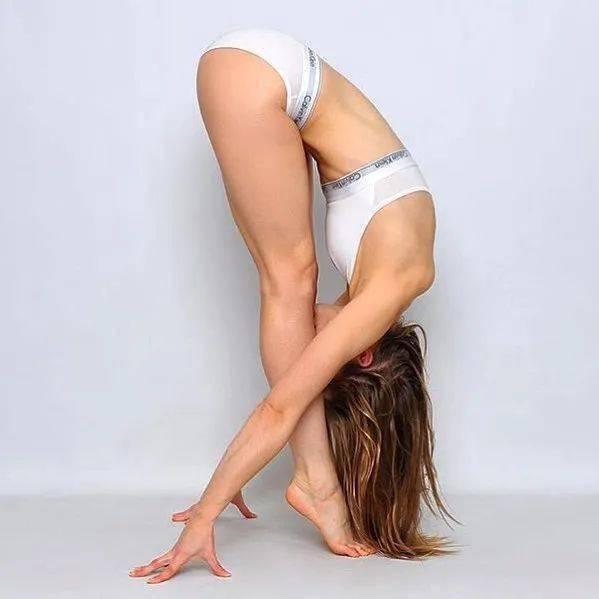 人老腿先衰?9个加强双腿力量的瑜伽体式,一定要常练! 初级健身 第1张