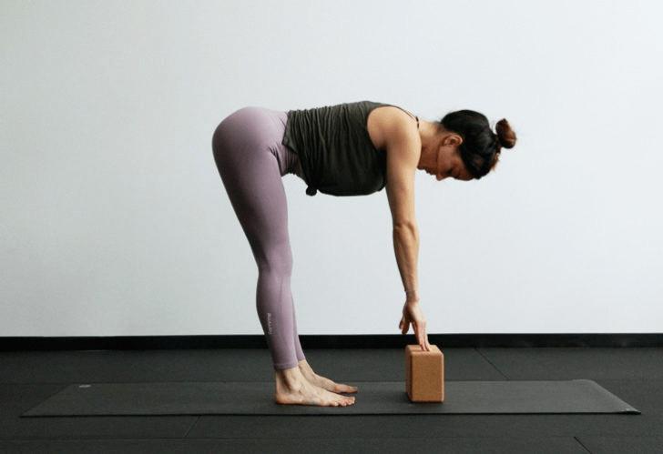 练瑜伽,没感觉?12个常见瑜伽体式,这样练超级有感觉! 减肥窍门 第6张