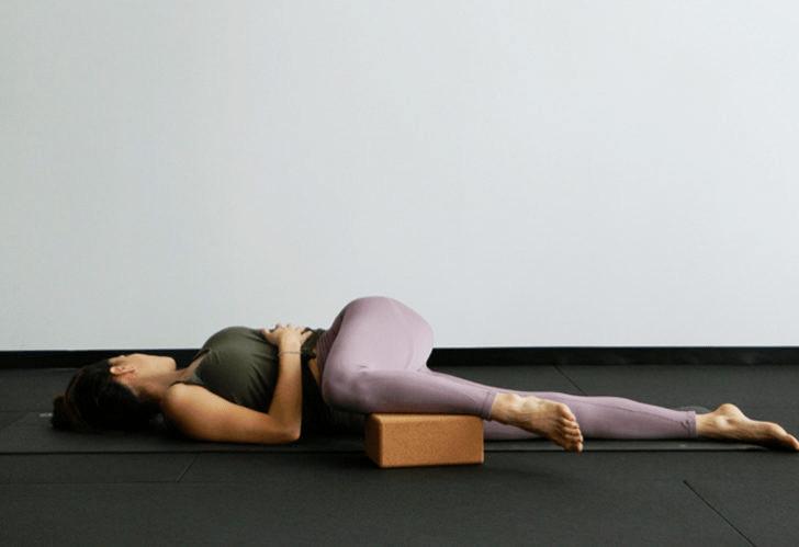 练瑜伽,没感觉?12个常见瑜伽体式,这样练超级有感觉! 减肥窍门 第19张