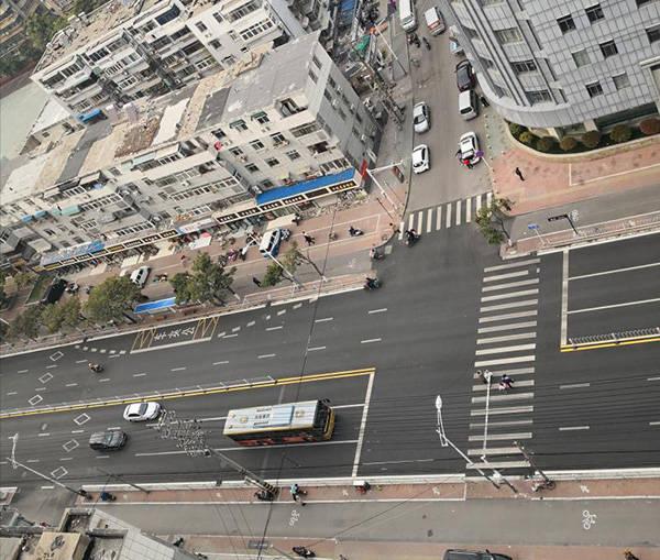 恒耀注册车主撞伤公交前横过马路女生被定同责,主办交警认为定责有误(图5)