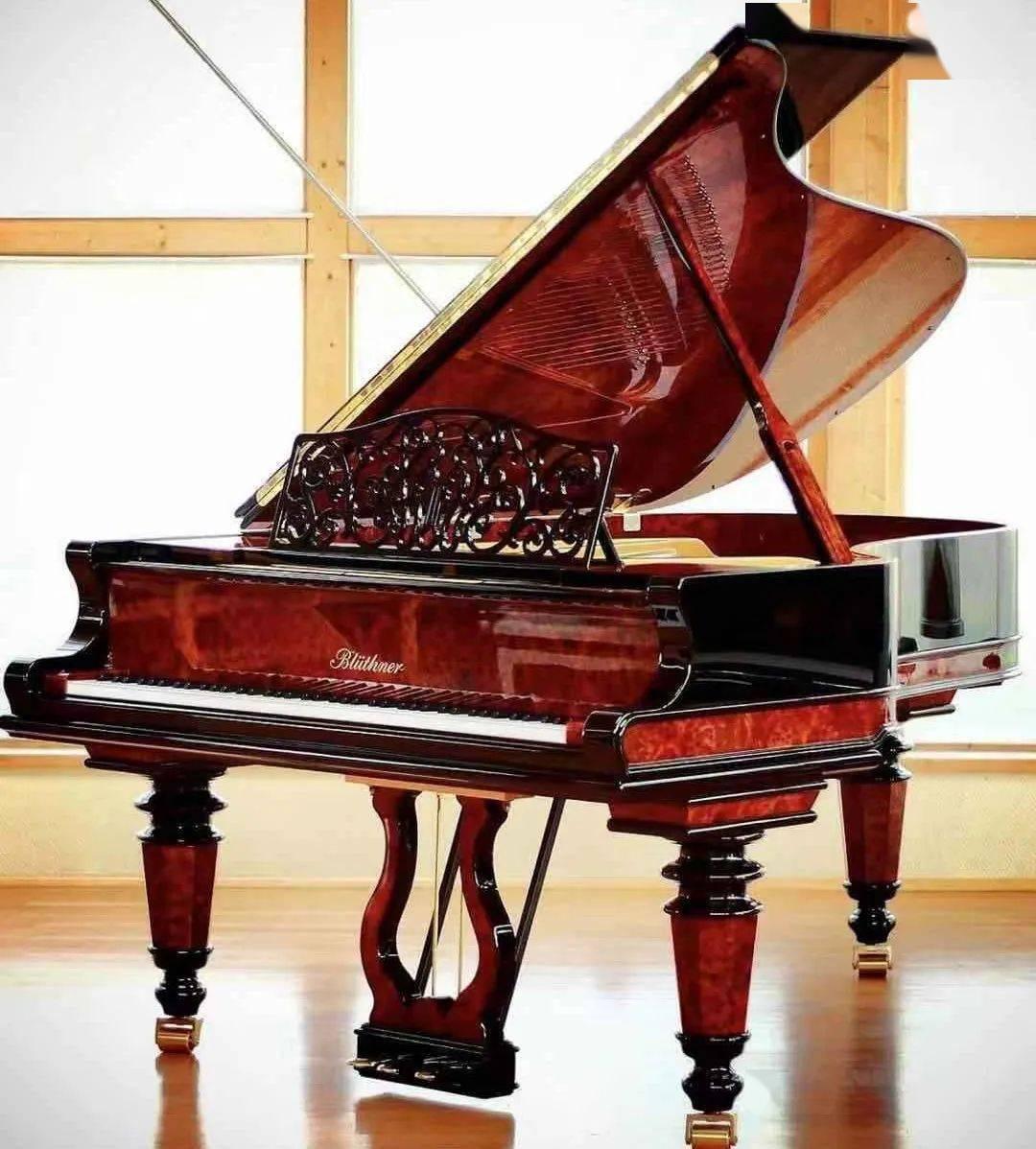 如何挑选一架适合自己的钢琴图片