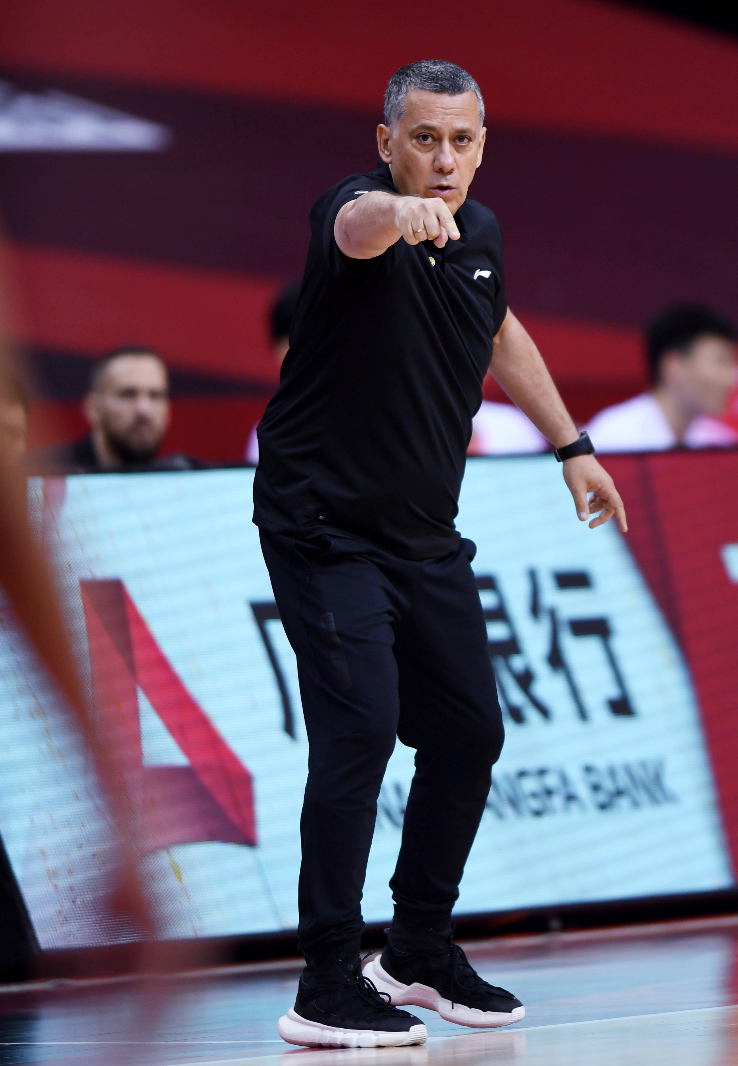 篮球——CBA复赛第一阶段:辽宁本钢迎战青岛国信双星