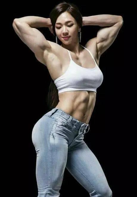 按照肌肉维度排序,这5位健身女神你更喜欢谁? 中级健身 第5张
