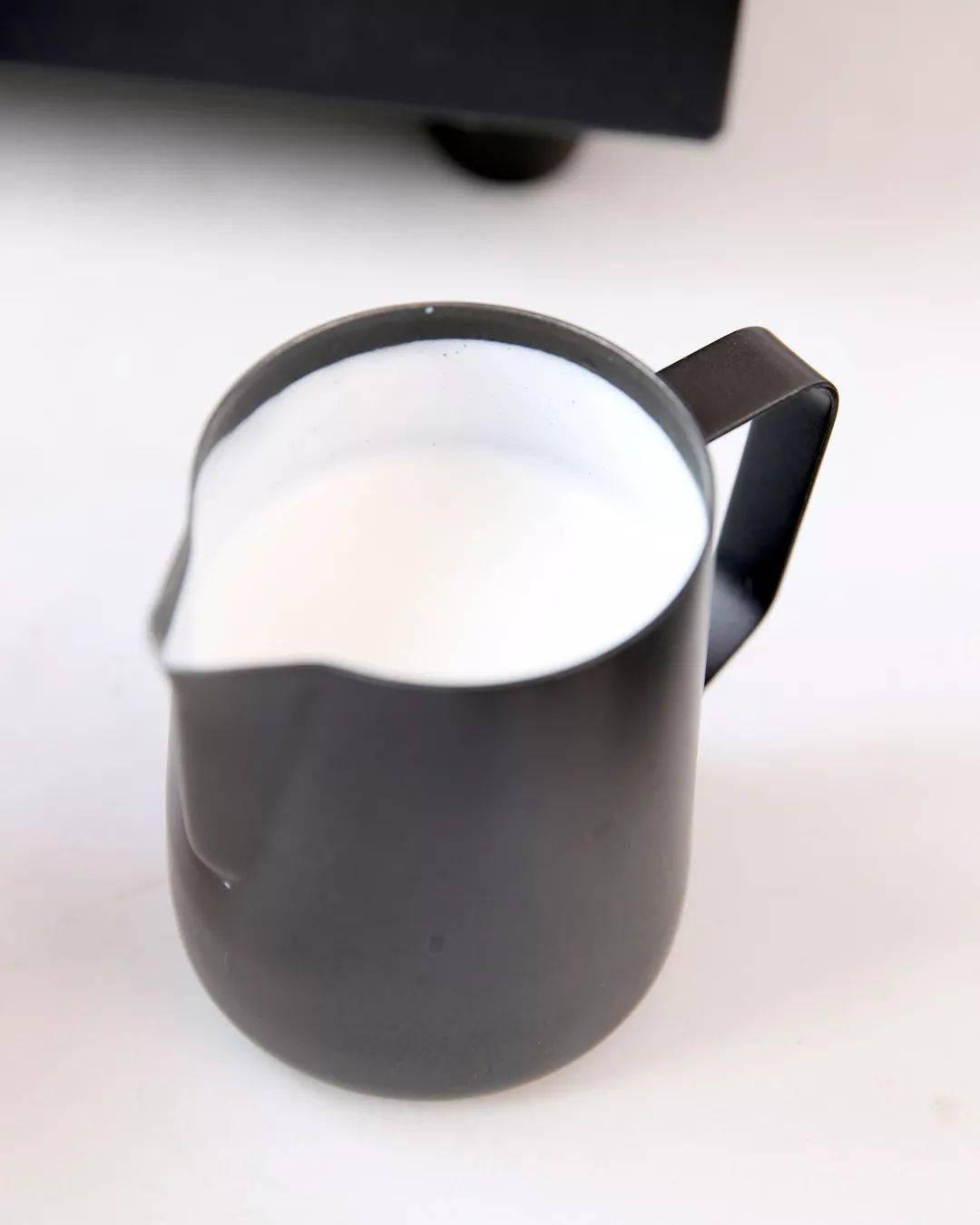 咖啡奶泡打发小技巧,你的咖啡拉花再也不会塌陷了! 试用和测评 第12张