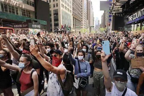 纽约州总检察长:弗洛伊德事件后,纽约人不再信任警察