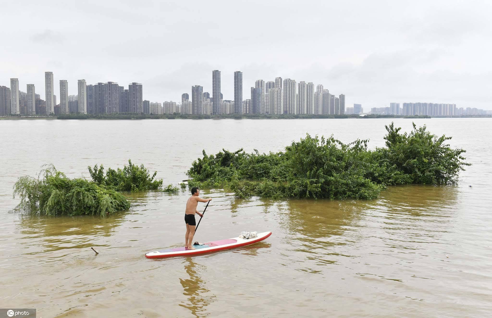 小心!本周末10余省区市将遭遇暴雨侵袭
