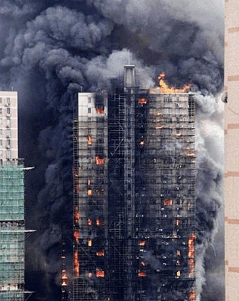 突发丨深圳福田CBD一在建超高层工地着火