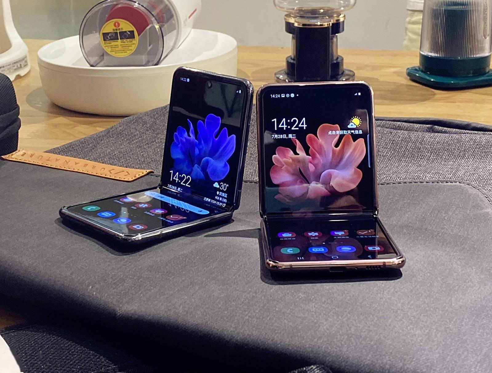 三星Z Flip 5G抢先体验:主打高颜值,加入5G补齐短板