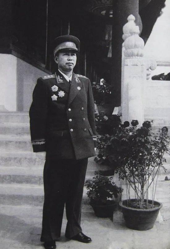 刘亚楼将军:中国空军之父