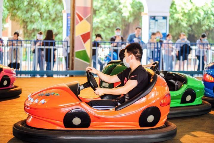 放肆嗨玩,上海欢乐谷、玛雅水公园全体验,Happy