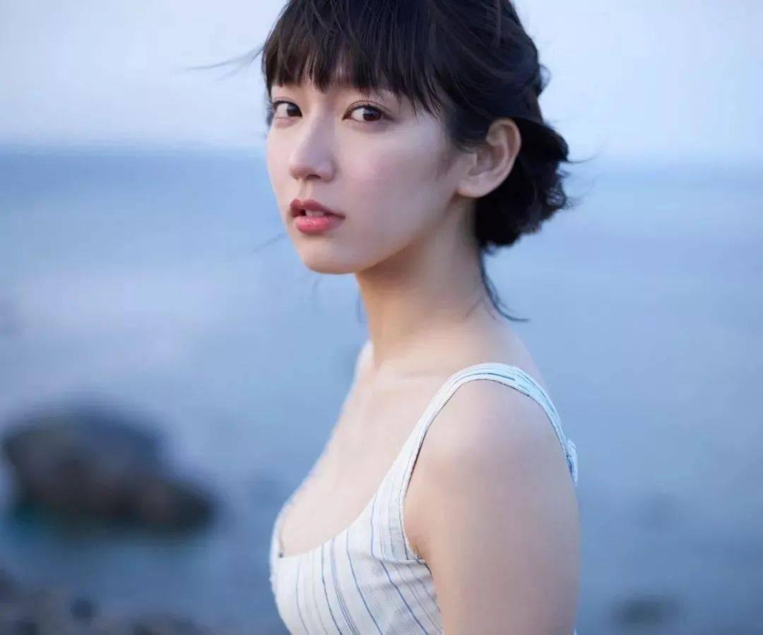 【M111】日本吉冈里帆旅行写真集「so long」162P,给女友拍照的最佳范本