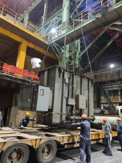 1号炼钢电炉的检查--在汽修车间变压器操