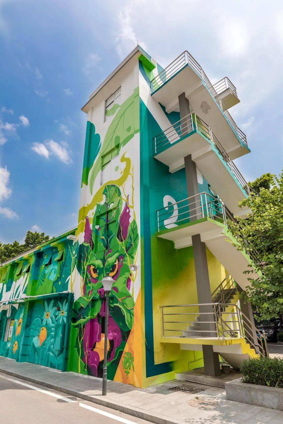 90%的广州人都不知道,这16条楼梯一拍就出片,帧帧绝美!