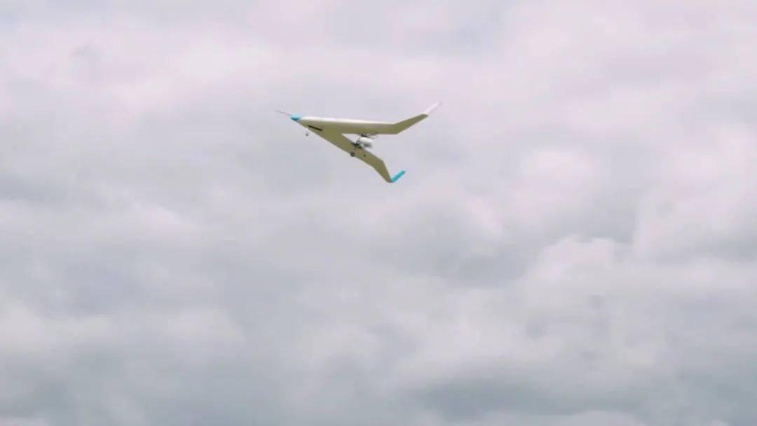 荷兰大学生研制的新型飞机问世,模型试飞取得
