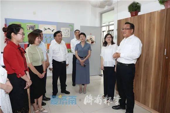 市委副书记、市长孙述涛看望市中区泉秀学校的