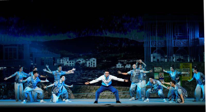 第十届广州艺术季闭幕,大型现代粤剧《清水河畔》压轴上演